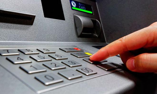 Комиссия при снятии денег в зарубежной валюте