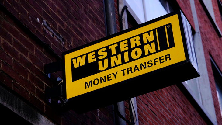 В каких банках можно получить перевод Вестерн Юнион?